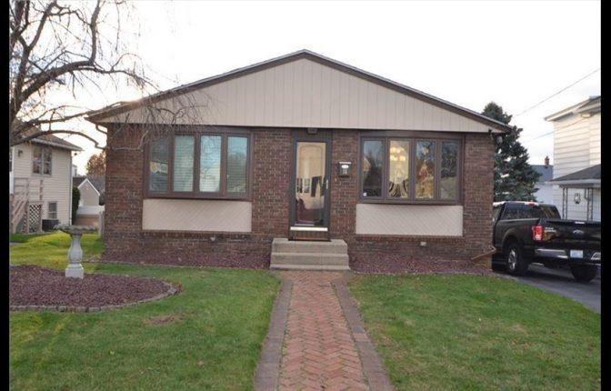 16 Penrose St, North Providence, RI 02911 – Single Family Home For Sale