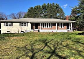 Cranston, Rhode Island, 4 Bedrooms Bedrooms, 9 Rooms Rooms,2 BathroomsBathrooms,Residential,For Sale,Pippin Orchard,1241403