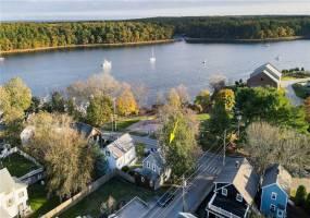 East Greenwich, Rhode Island, 1 Bedroom Bedrooms, 4 Rooms Rooms,1 BathroomBathrooms,Residential,For Sale,Lion,1273798