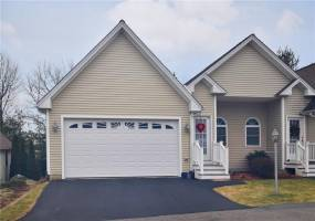 North Providence, Rhode Island, 2 Bedrooms Bedrooms, 5 Rooms Rooms,2 BathroomsBathrooms,Residential,For Sale,DOUGLAS,1246664