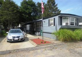 1346 Newport Avenue- Attleboro- Massachusetts, 2 Bedrooms Bedrooms, 5 Rooms Rooms,1 BathroomBathrooms,Residential,For Sale,Newport,1241158