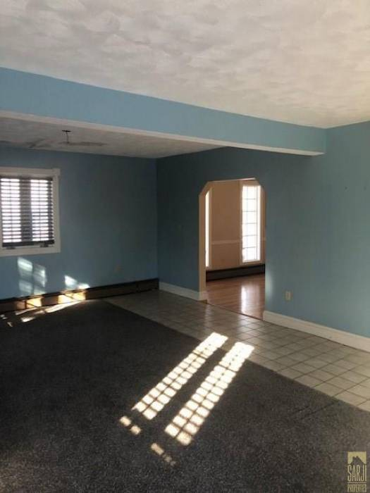 East Providence, Rhode Island, 3 Bedrooms Bedrooms, 6 Rooms Rooms,1 BathroomBathrooms,Residential,For Sale,Theresa,1246102